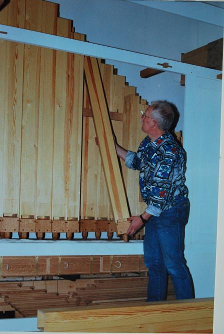116-houten-pijpen-voor-pedaal-plaatsen