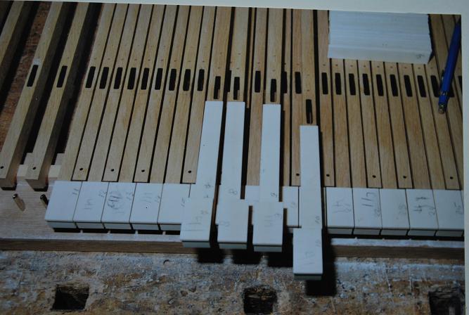 53-klavier-toetsbeleg-ossenbeen