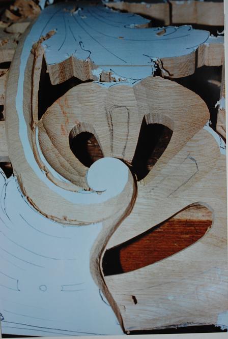 75-houtsnijwerk